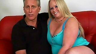 Сперма придружи се масивној ббв (велике лепе жене) девојка фуцкинг хер селф уп парт 1