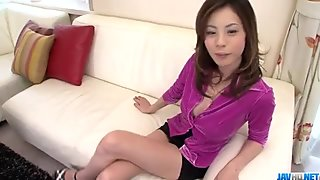 Natsumi Mitsu blows it hard before getting it in her vag