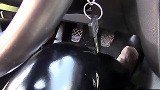 At full throttle! 5 (Wife in black PVC) (SAMPLE)