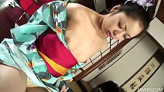 Horny Hana gets rid of kimano and masturbates on the floor rubbing her clit