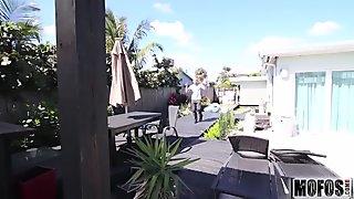 X-tra Small Spinner Gets a Facial video starring Kira Adams