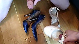 Meetup cumshot on heels