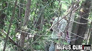 Skyla Paris - Sex in the Jungle - MOFOS