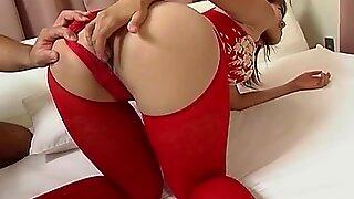 Рара Хојо добива анални секс инсерције и сврш у пичку црацк